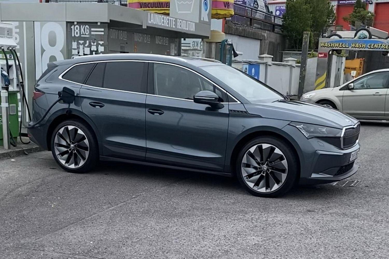 Complete Car Features   Long-distance Skoda Enyaq range test