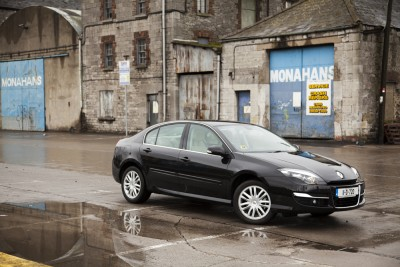 Complete Car Features | Renault Laguna under test
