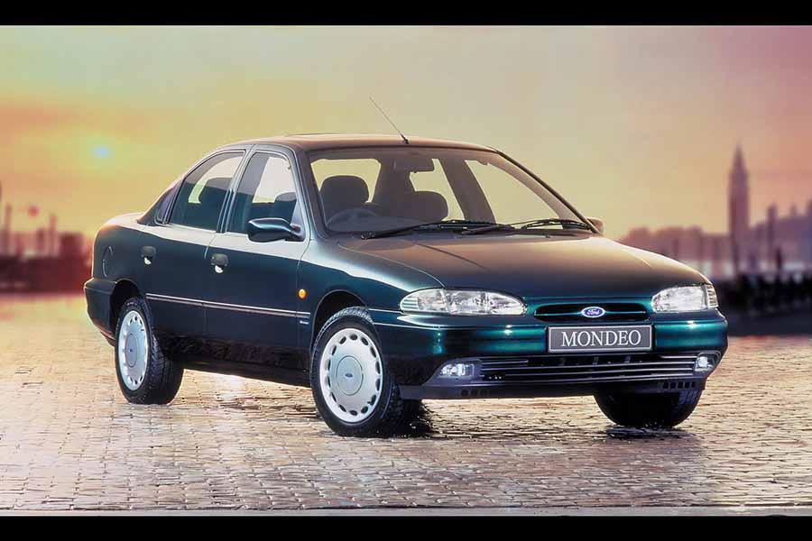 Complete Car Features | Ford Mondeo celebrates its silver anniversary