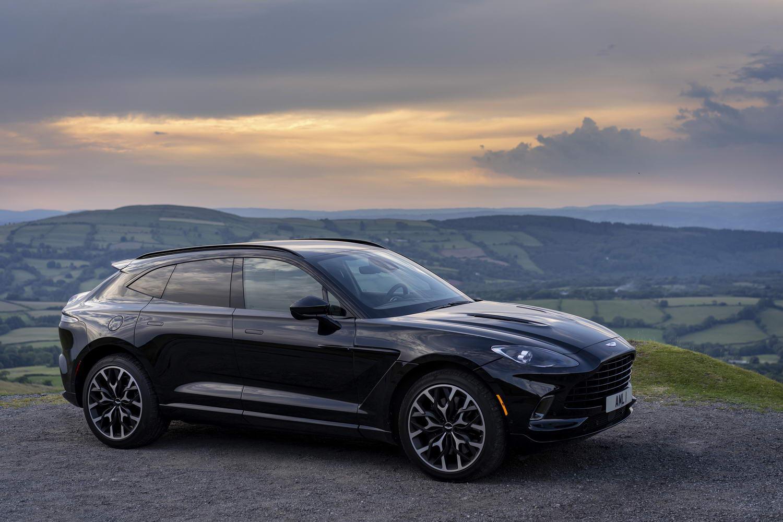 Aston Martin DBX V8 (2020) | Reviews | Complete Car
