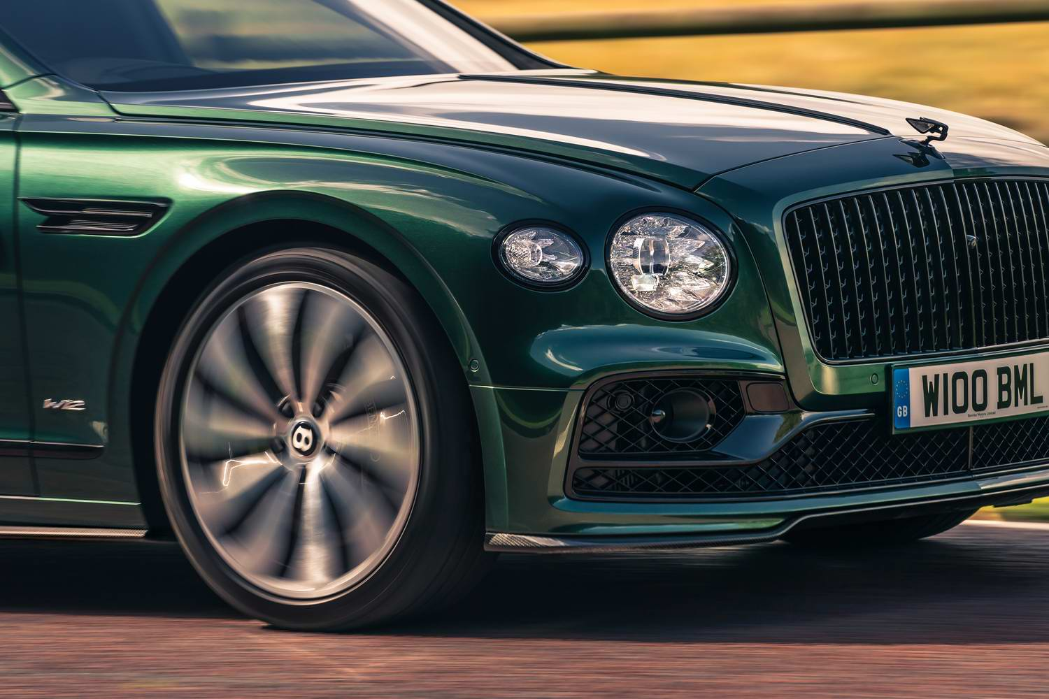 Hand-made carbon bodykit for Bentley Flying Spur