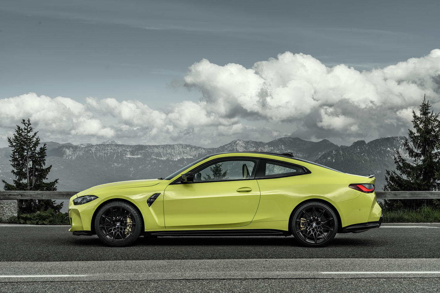 2021 BMW M4 Coupe image gallery - car and motoring news by ...