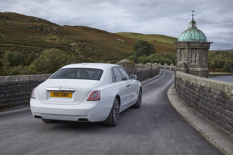 Rolls-Royce Ghost (2021) | Reviews | Complete Car