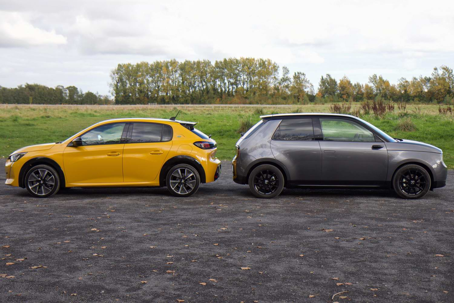 Honda e vs. Peugeot e-208 electric car comparison