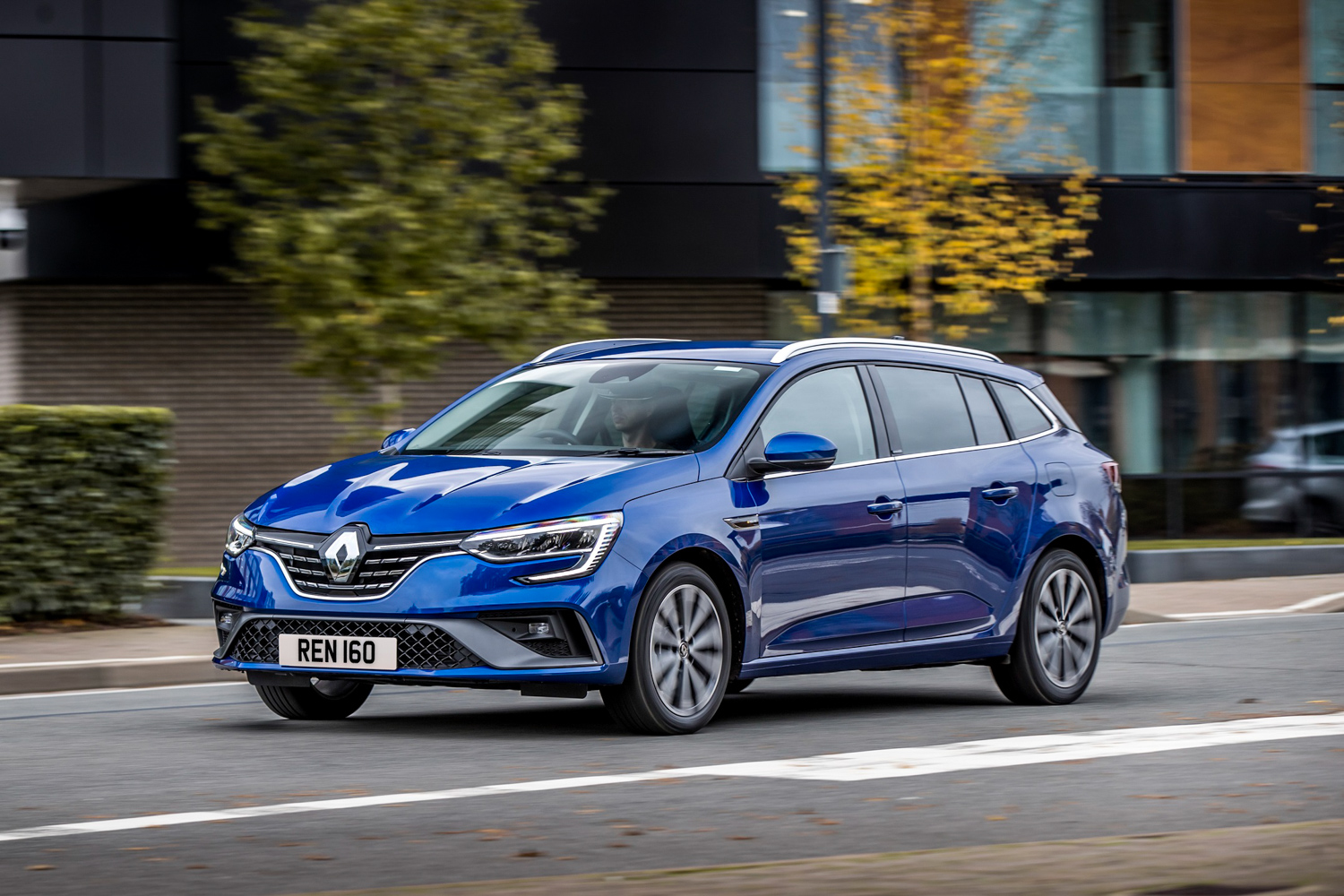 Renault and Dacia dealers still virtually open
