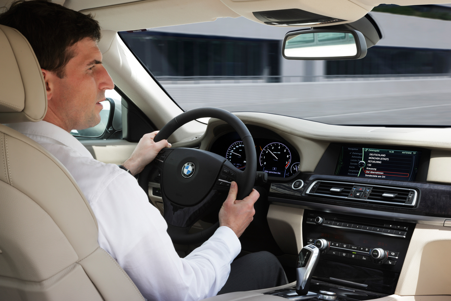 BMW shows new iDrive at CES