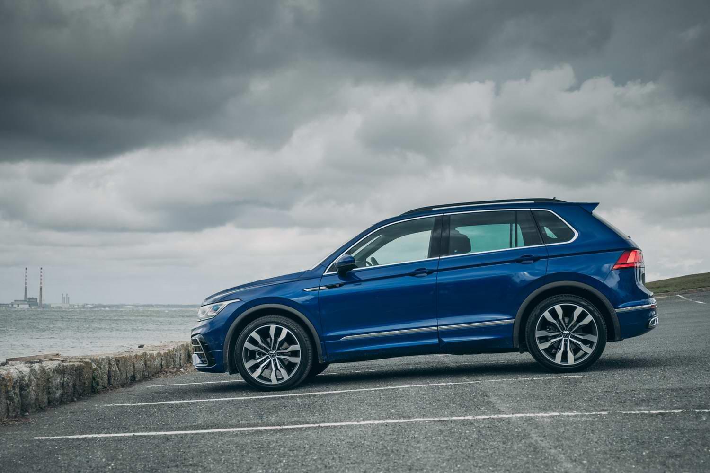 Volkswagen Tiguan 2.0 TDI 150 R-Line (2021) | Reviews ...