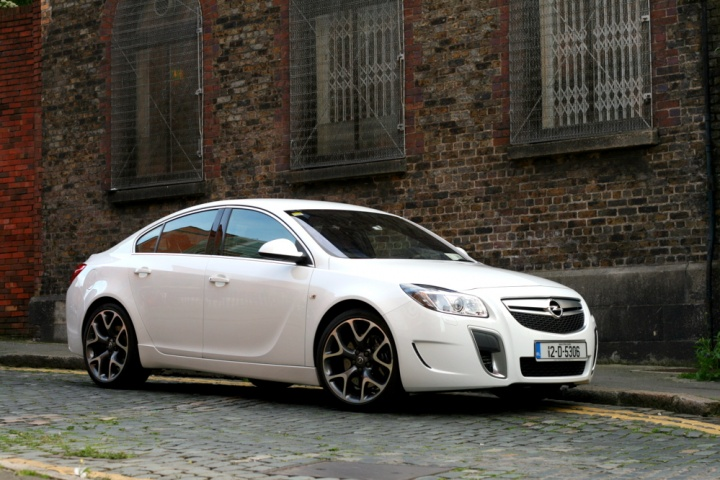 opel insignia opc reviews complete car. Black Bedroom Furniture Sets. Home Design Ideas