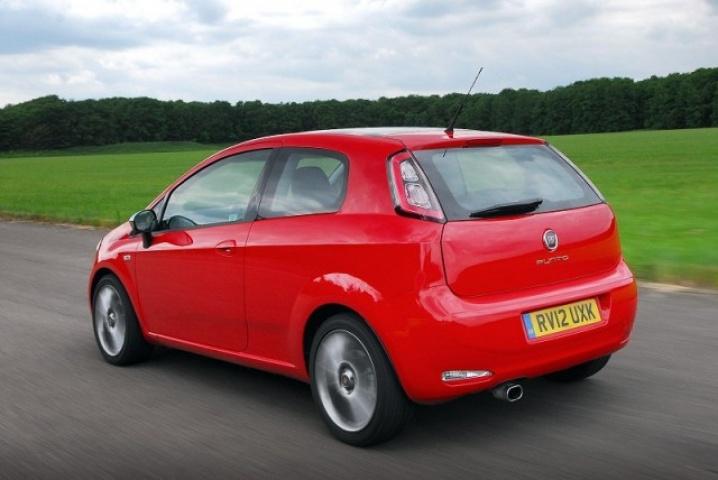 Fiat Punto TwinAir | Reviews | Complete Car on fiat trekking review, fiat pop, fiat lounge, fiat ads,
