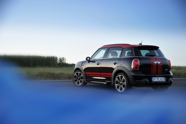 mini john cooper works countryman reviews complete car. Black Bedroom Furniture Sets. Home Design Ideas