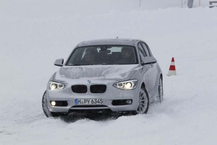 bmw 120d xdrive reviews test drives complete car. Black Bedroom Furniture Sets. Home Design Ideas