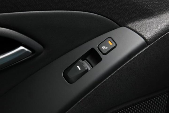 hyundai ix35 reviews test drives complete car. Black Bedroom Furniture Sets. Home Design Ideas