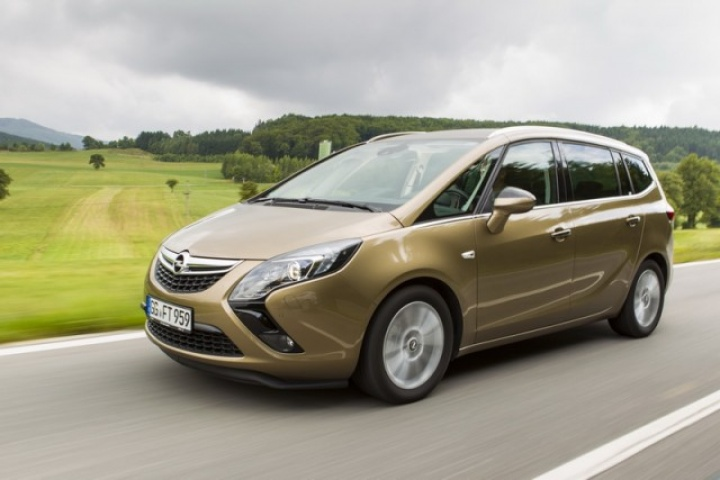 Opel Zafira Tourer 1.6 CDTi new car review by CompleteCar.ie