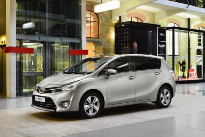 Toyota Corolla Verso - Wikipedia