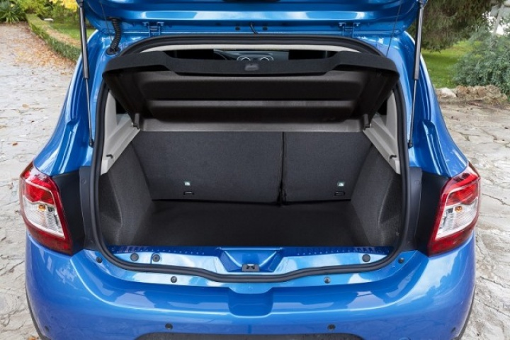 dacia sandero stepway reviews complete car. Black Bedroom Furniture Sets. Home Design Ideas