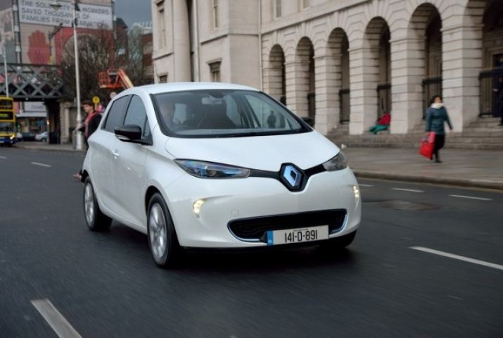 renault zoe reviews test drives complete car. Black Bedroom Furniture Sets. Home Design Ideas