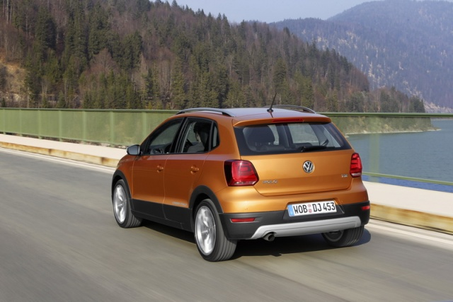 Volkswagen Cross Polo Reviews Complete Car
