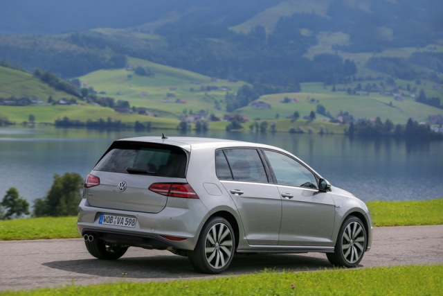 volkswagen golf plug in hybrid test drive autos weblog. Black Bedroom Furniture Sets. Home Design Ideas