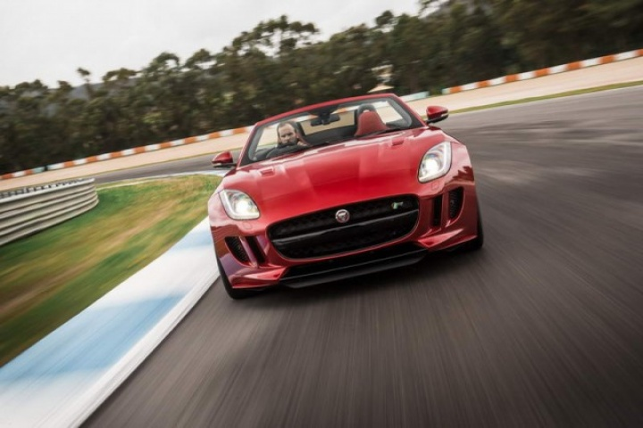 Jaguar F-Type R AWD prototype