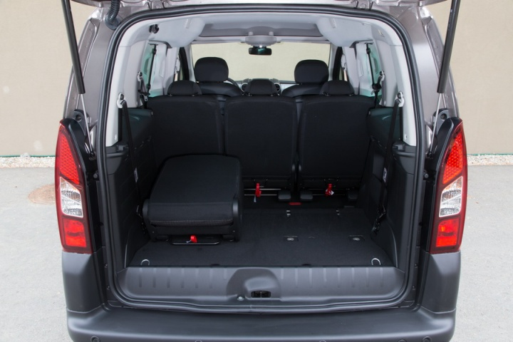 peugeot partner tepee reviews complete car. Black Bedroom Furniture Sets. Home Design Ideas