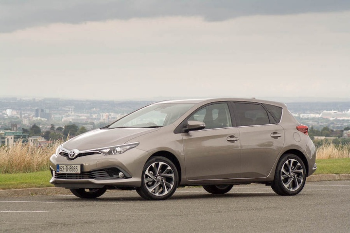 toyota auris reviews test drives complete car. Black Bedroom Furniture Sets. Home Design Ideas