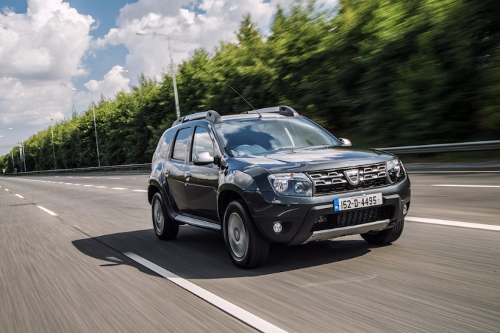 dacia duster commercial reviews complete car. Black Bedroom Furniture Sets. Home Design Ideas