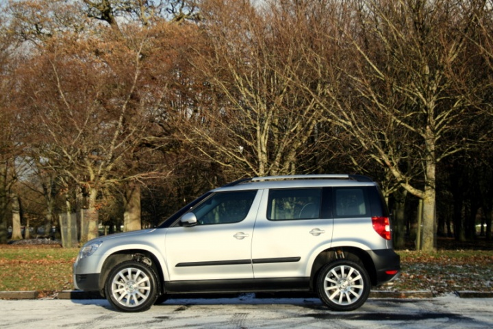 skoda yeti 4x4 reviews test drives complete car. Black Bedroom Furniture Sets. Home Design Ideas