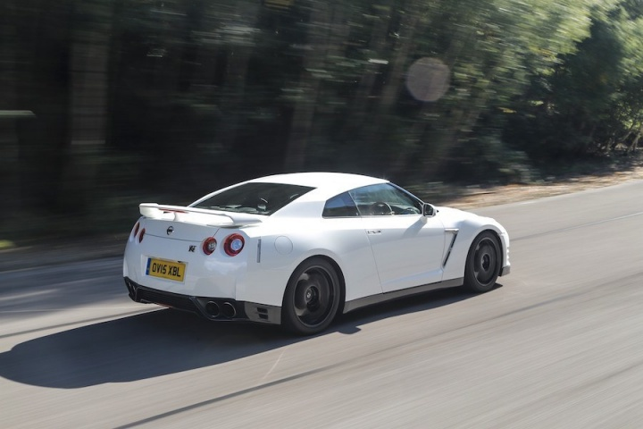 nissan gt r track edition reviews complete car. Black Bedroom Furniture Sets. Home Design Ideas