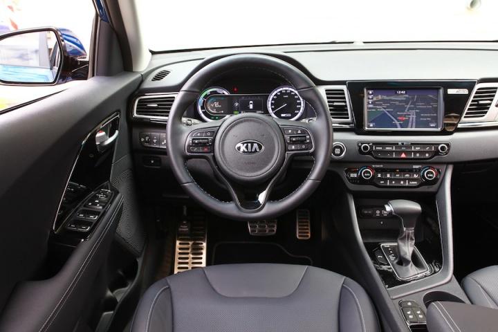 kia niro reviews news test drives complete car. Black Bedroom Furniture Sets. Home Design Ideas