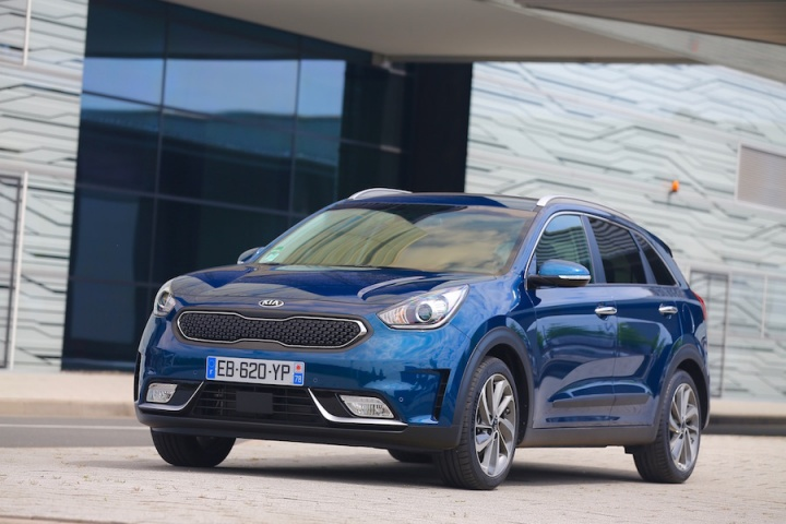 kia niro reviews news test drives complete car. Black Bedroom Furniture Sets. Home Design Ideas