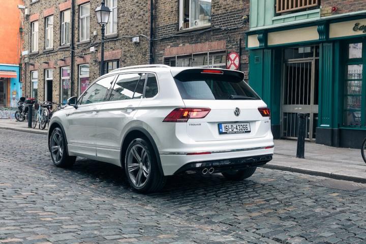 Volkswagen Tiguan R Line Reviews Complete Car