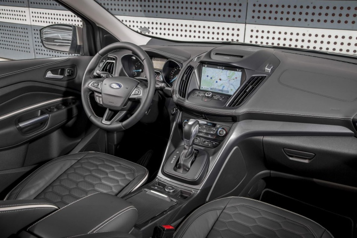 Ford Kuga Vignale >> Ford Kuga Vignale Reviews Complete Car