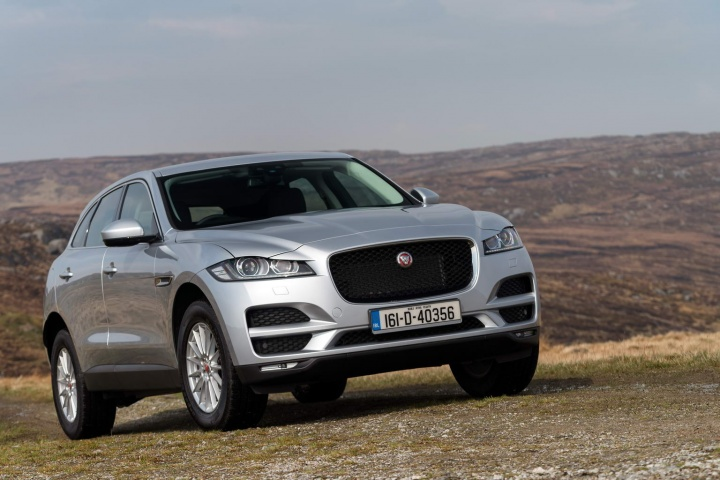 jaguar f pace 20d prestige awd reviews complete car. Black Bedroom Furniture Sets. Home Design Ideas