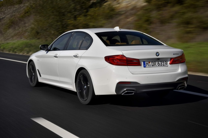 Bmw 540i M Sport Reviews Test Drives Complete Car