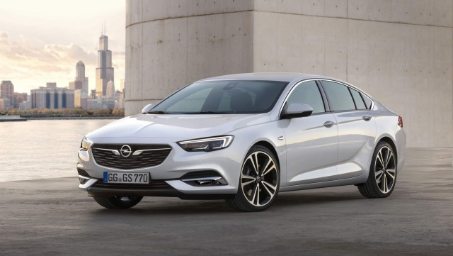 2017 Opel Insignia pics, details and specs