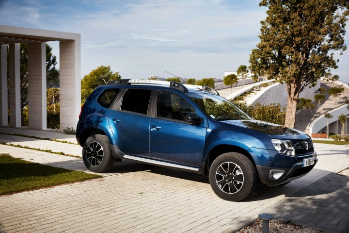dacia duster edc reviews test drives complete car. Black Bedroom Furniture Sets. Home Design Ideas
