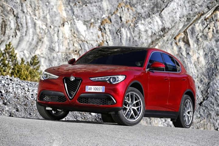 Alfa Romeo Stelvio 2 2 Diesel Q4 Reviews Complete Car