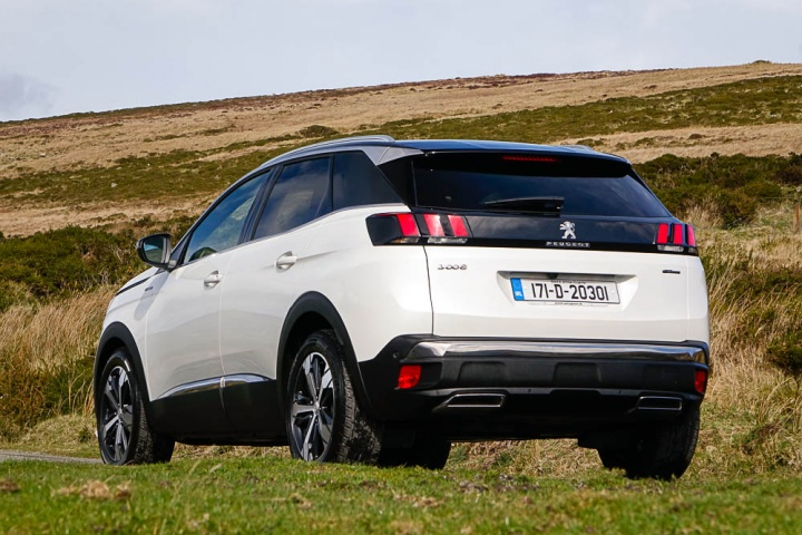White Lexus Suv >> Peugeot 3008 GT Line | Reviews | Complete Car