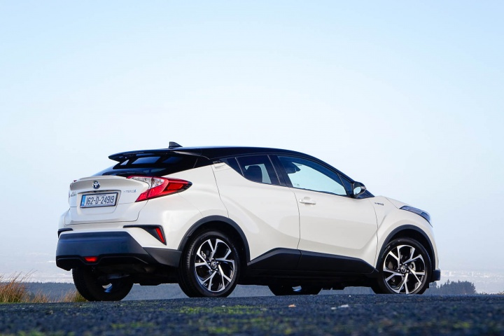Five best mid-sized SUVs and crossovers in Ireland - a feature by CompleteCar.ie