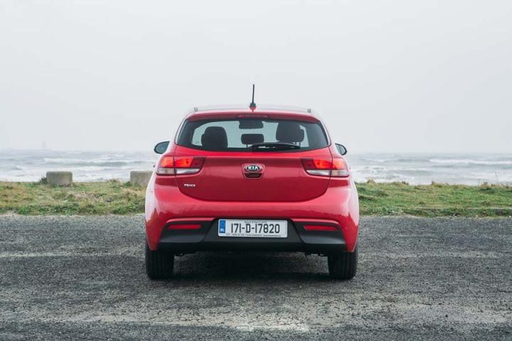 kia rio  petrol reviews complete car