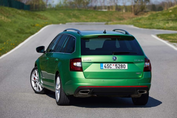 skoda octavia combi rs reviews complete car. Black Bedroom Furniture Sets. Home Design Ideas