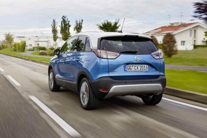 opel crossland x 1 2 turbo petrol reviews complete car. Black Bedroom Furniture Sets. Home Design Ideas