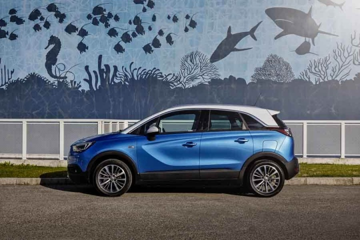 opel crossland x 1 2 turbo petrol reviews complete car. Black Bedroom Furniture Sets. Home Design Ideas