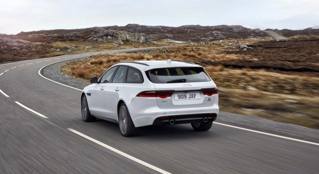 First proper look at Jaguar XF Sportbrake estate