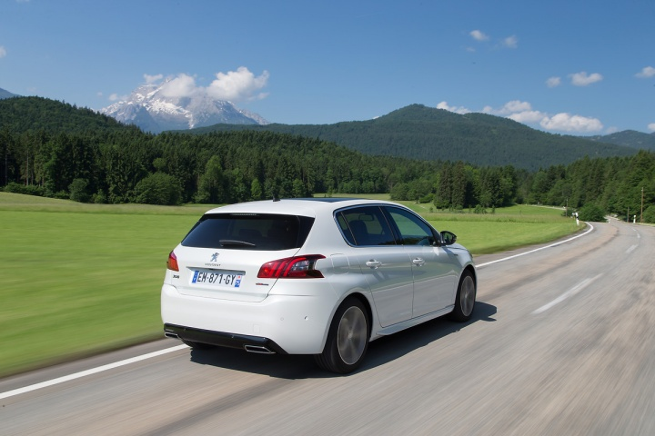 Peugeot 308 1 5 Hdi 130 Reviews Complete Car