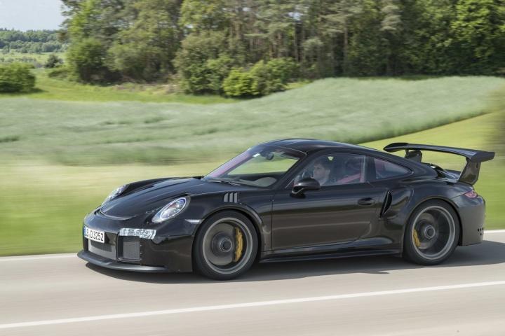 porsche 911 gt2 rs review 2018 porsche 911 gt2 rs review changes new cars previews 2018. Black Bedroom Furniture Sets. Home Design Ideas