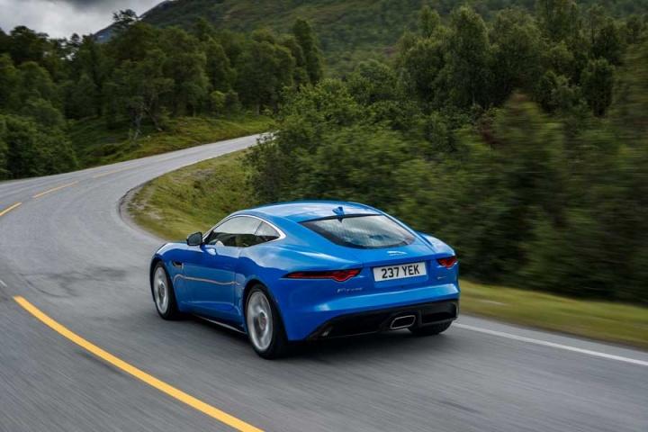 jaguar f type 2 0 coupe reviews complete car. Black Bedroom Furniture Sets. Home Design Ideas