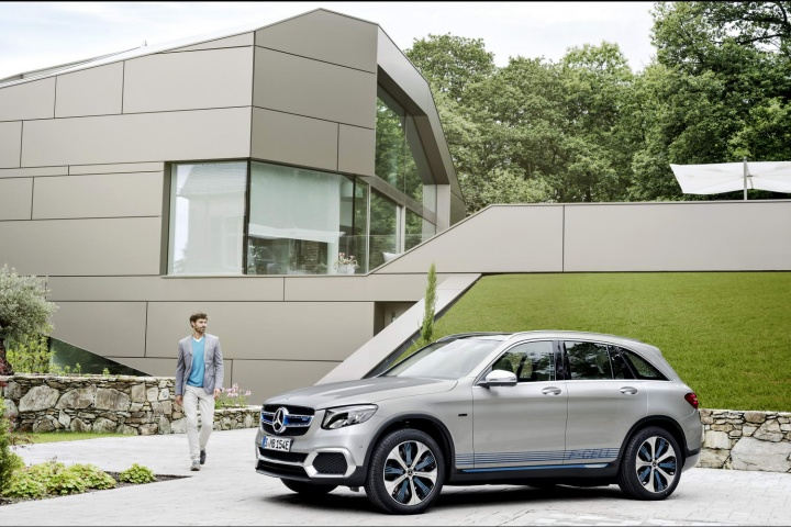 Hydrogen fuel-cell Mercedes GLC nears production