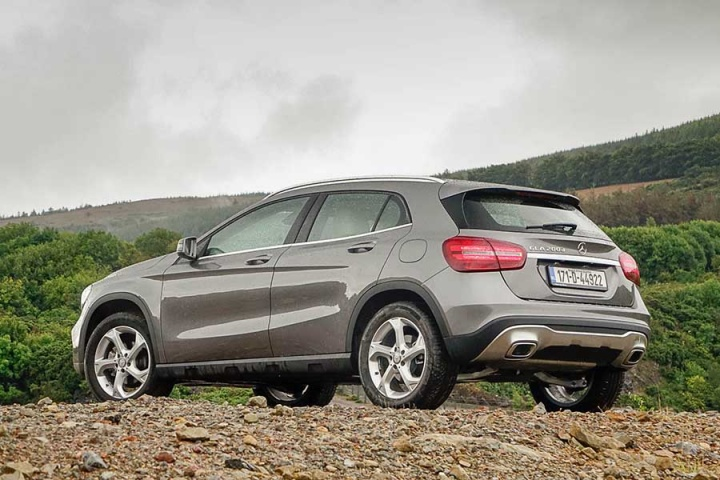 Mercedes benz gla 200 d reviews complete car for Mercedes benz gla crossover