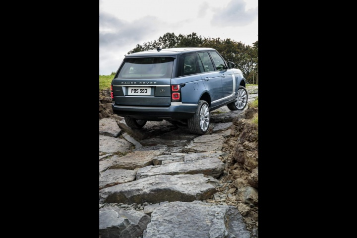 Updated Range Rover Now Comes As A Hybrid Car And